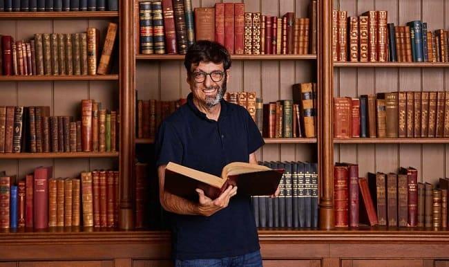 Dan Ariely bi tan nan khi la thanh nien