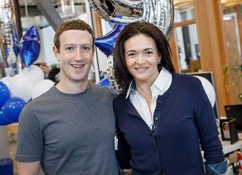 Sheryl Sandberg va mark zuckerberg